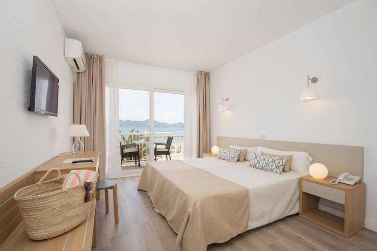 Twin/double with parcial sea views cabot romantic puerto pollença
